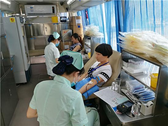稻ballbet贝博注册员工积极参与无偿献血活动